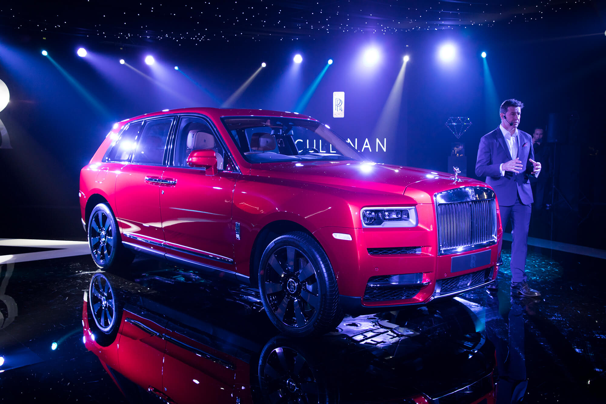 rolls royce cullinan launch iamgazal. Black Bedroom Furniture Sets. Home Design Ideas